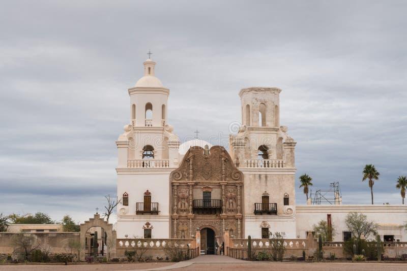 San Xavier Del Bac Mission, Tucson Arizona de V.S. stock fotografie