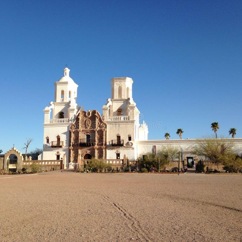 San Xavier Del Bac White Dove des Wüsten-Auftrag-Schongebiets stockfotos