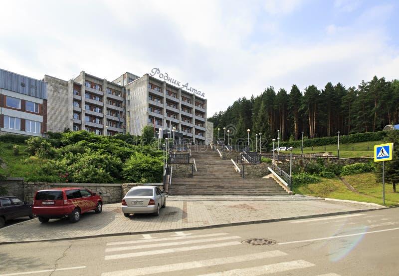 Sanatorio Rodnik Altaya en el centro turístico Belokuriha imagen de archivo