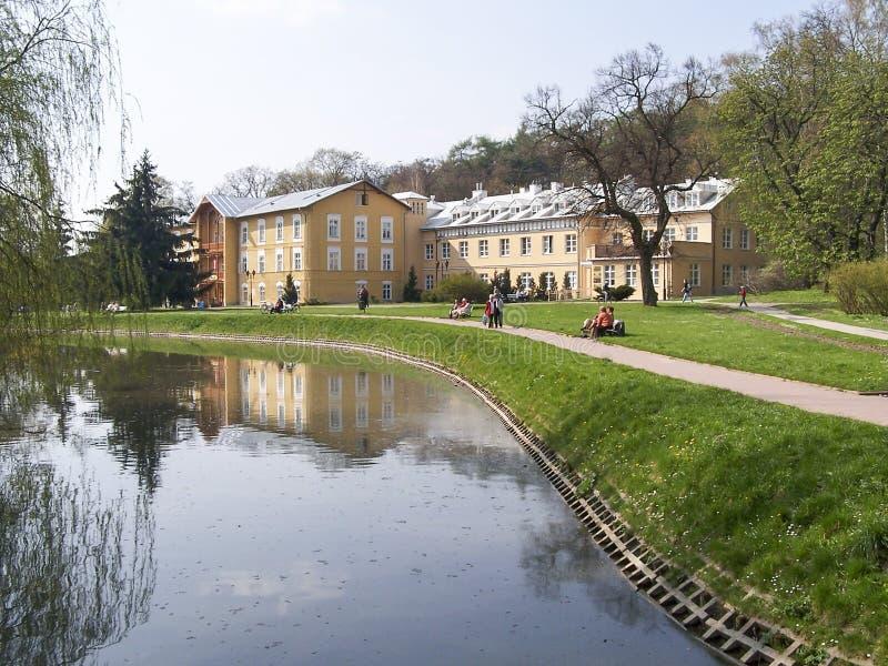 Sanatorium im Kurpark - Naleczow, Polen stockfotografie