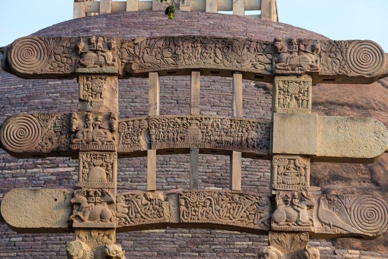 Sanchi Stupa, edificio budista antiguo, misterio de la religión, talló la piedra Destino del viaje en Madhya Pradesh, la India imagen de archivo libre de regalías