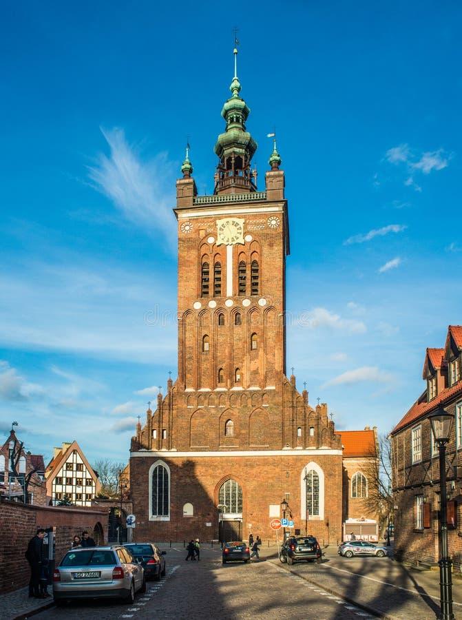 Sanct Catherine; gotisk kyrka för s i den gamla staden av Gdansk, Polen arkivfoto