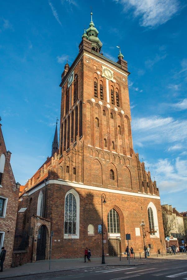 Sanct Catherine; gotisk kyrka för s i den gamla staden av Gdansk, Polen arkivbilder