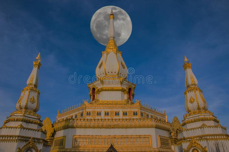 Sanctuary at Wat Phra Maha Chedi Chai Mongkol ,Roi Et province, Thailand with the beautiful sky and cloud.The public properties. The sanctuary at Wat Phra Maha stock images