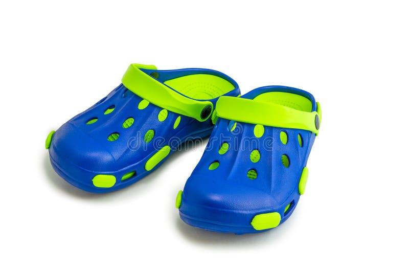 Sandálias azul esverdeado da borracha do ` s das crianças imagens de stock royalty free
