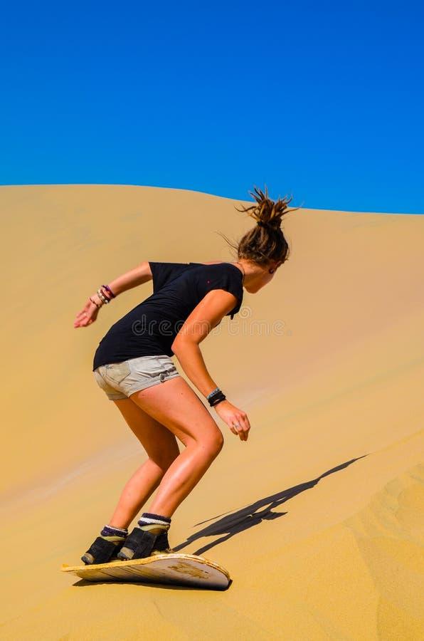 Sand-Einstiegspaß auf Atacama-Wüste, Oase von Huacachina, Ica Region, Peru lizenzfreie stockfotos