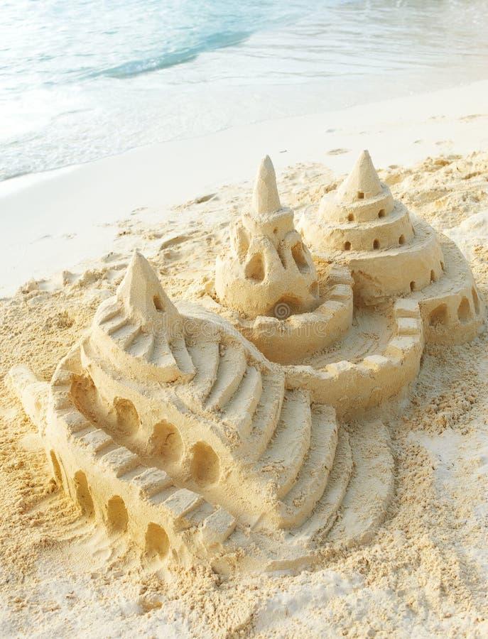 Sand-Schloss auf dem Strand stockbilder