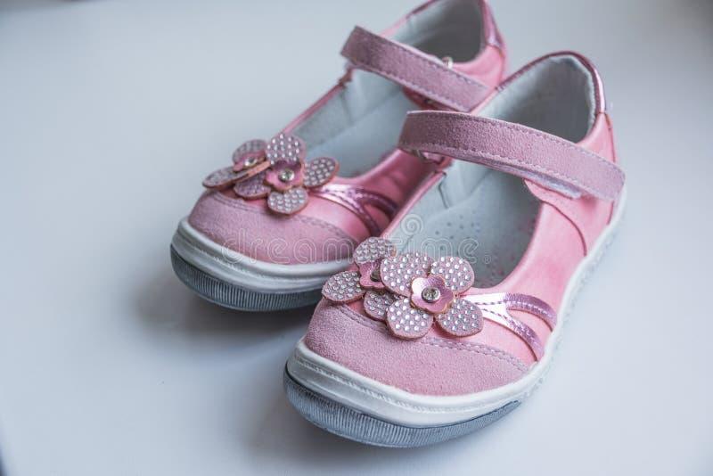 785552a183672 Sandales de roses pâles de mode avec les fleurs roses Chaussure moderne  d espadrilles du