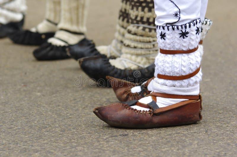 Sandalias rumanas tradicionales 4 foto de archivo