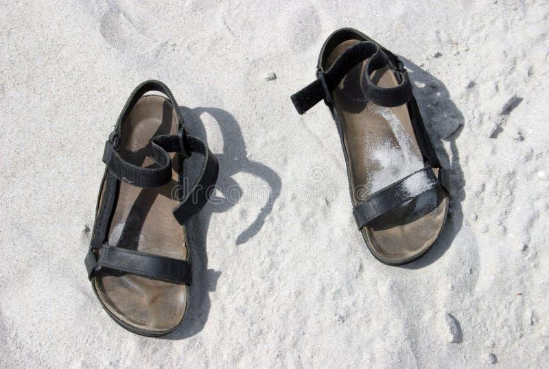 Sandals Op Zand Royalty-vrije Stock Fotografie