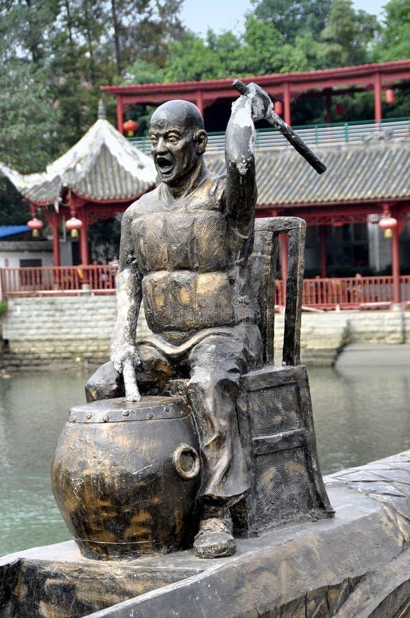 Sandaoyan, China: De Slagwerker van de Boot van de Draak van het brons royalty-vrije stock afbeeldingen