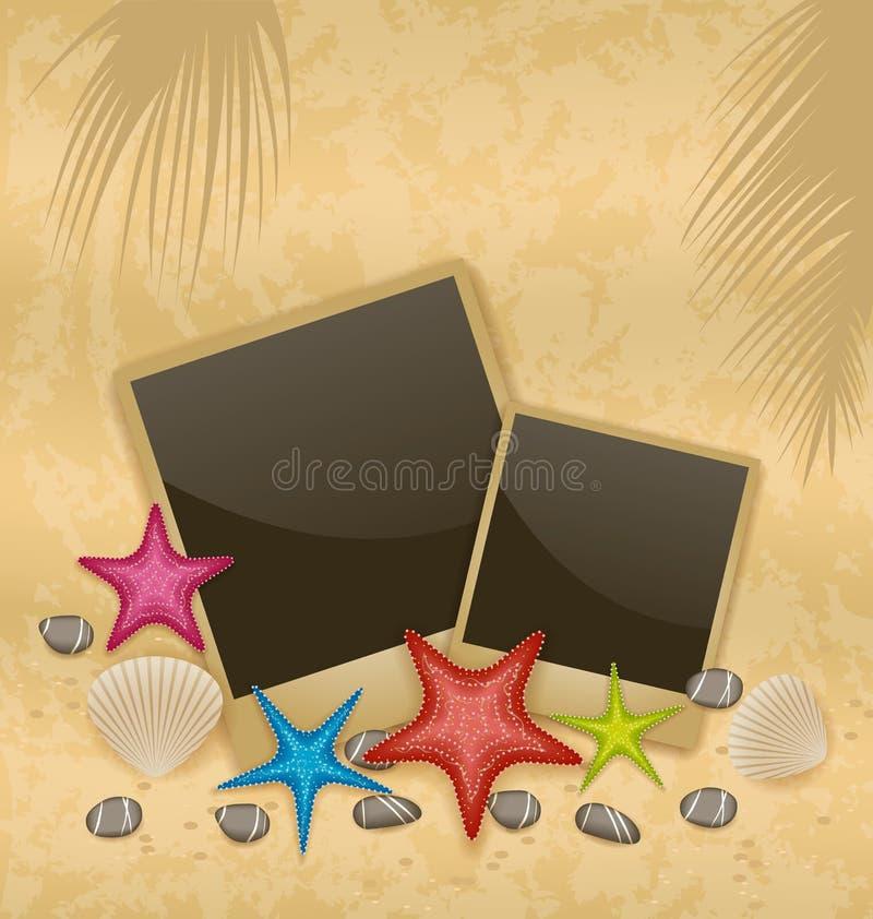 Sandbakgrund med fotoramar, sjöstjärnor, kiselstenstenar, se stock illustrationer