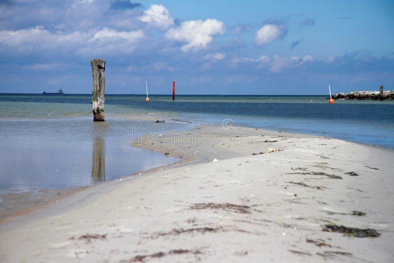 Download Sandbank Nahe Wasser-Strasse Stockfoto - Bild von nearsighted, strasse: 26355226
