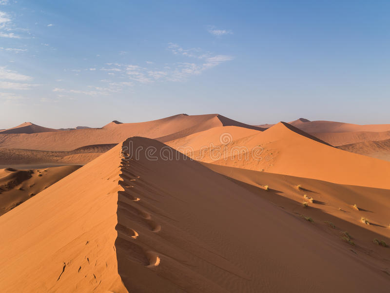Sanddüne 45 in Sossusvlei, Namibia lizenzfreie stockfotos