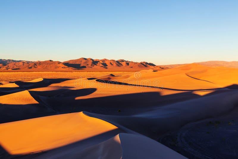 Sanddünen in Kalifornien lizenzfreie stockbilder