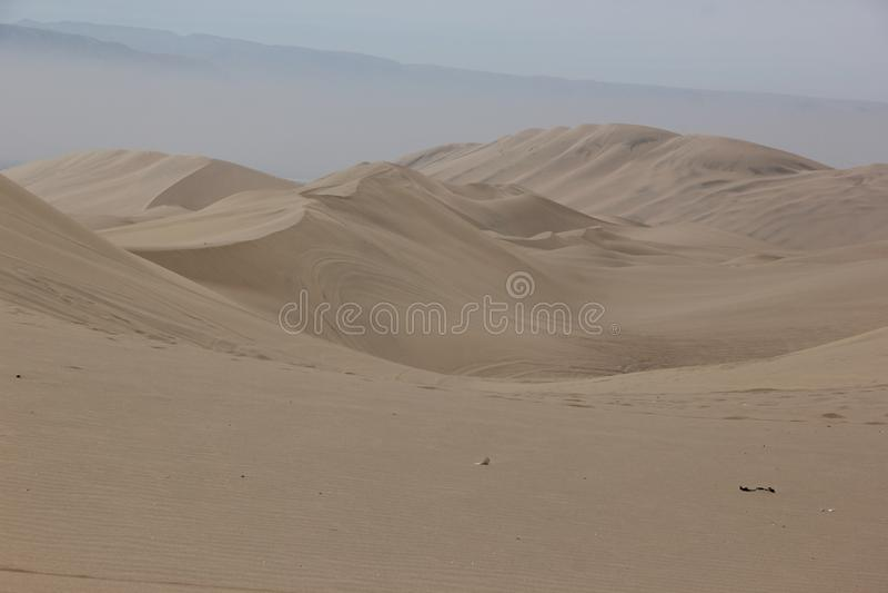 Sanddyerna av Huacachina arkivfoton
