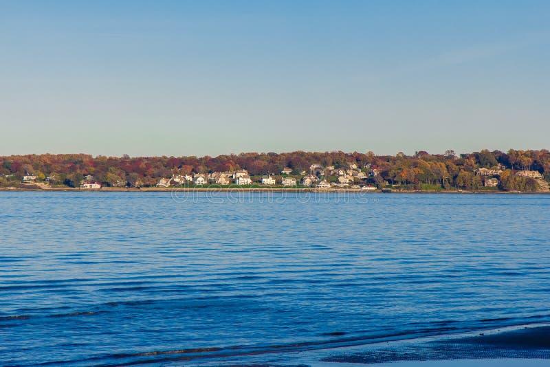 Sande zeigen Seeansicht lizenzfreie stockfotografie