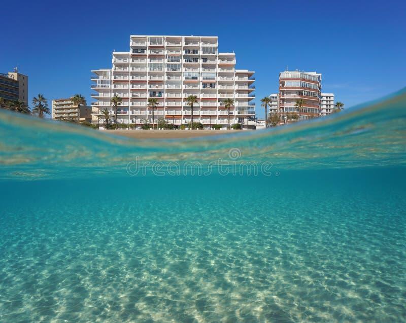 Sandig havsbotten undervattens- Spanien för hyreshus arkivfoton