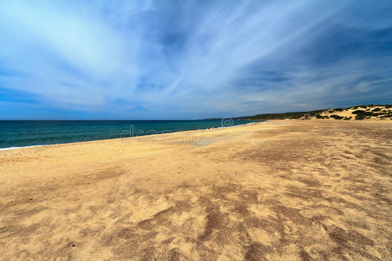 Sandig strand i Piscinas, Italien royaltyfri bild