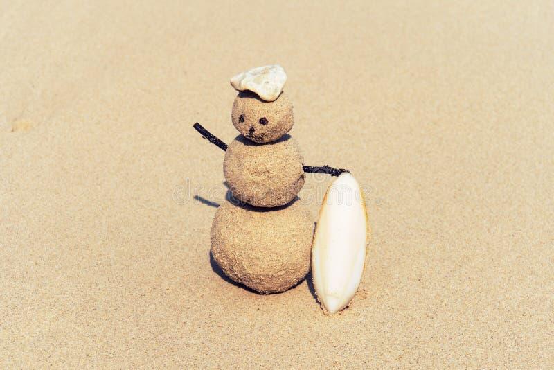 Sandman, bambola dalla sabbia, pupazzo di neve dalla spiaggia fotografie stock