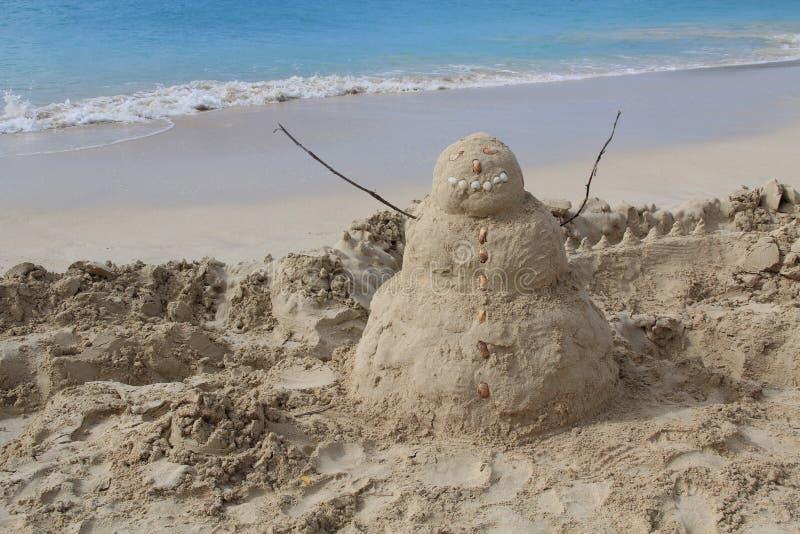 Sandman em uma praia em Antígua Barbuda fotos de stock royalty free