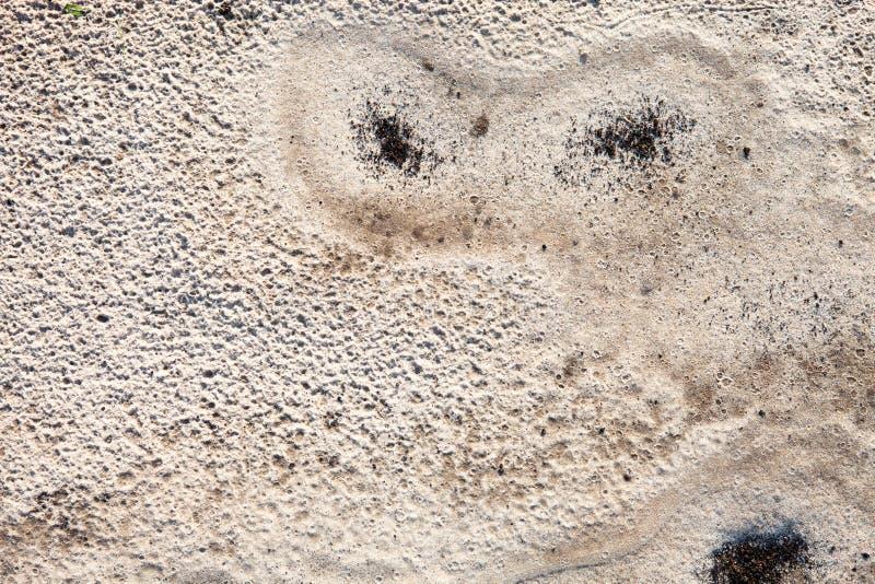 Sandoberfläche nach dem Regen stockfotografie