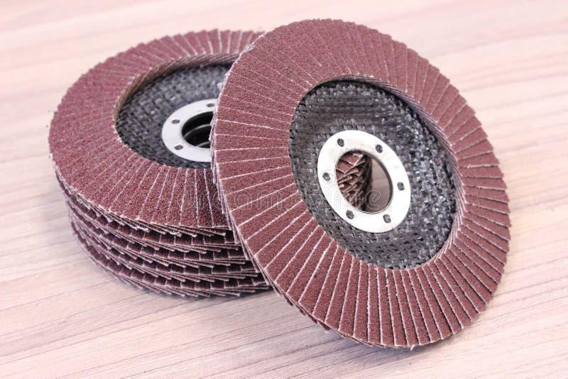 Sandpapper nya disketter för elektriskt hjälpmedel arkivbilder