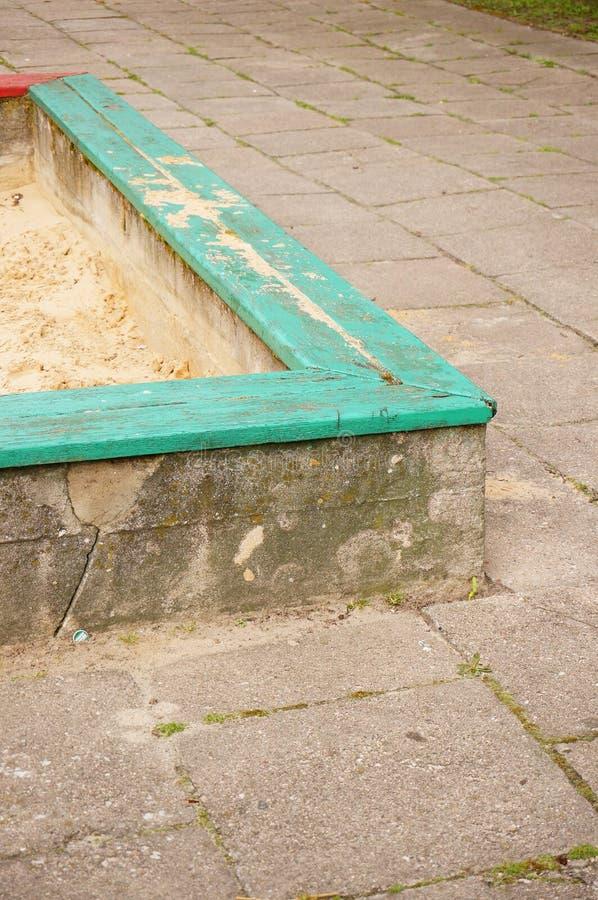 Download Sandpit cuadrado foto de archivo. Imagen de madera, tierra - 44851332