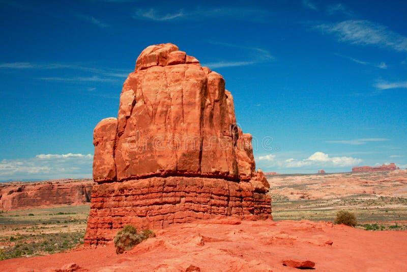 Sandstenmonoliten, domstolsbyggnadtorn, välva sig nationalparken royaltyfria foton