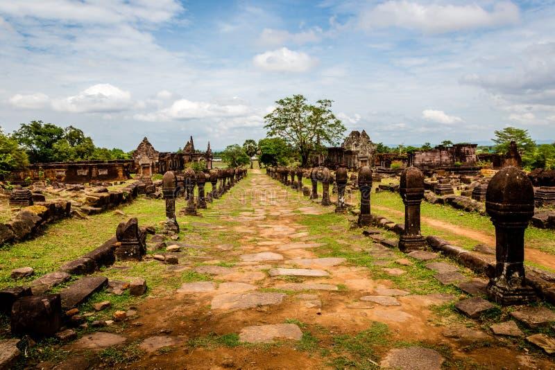 Sandstenstolpar av VatPhou det religiösa komplexet i det Champasak landskapet, Laos arkivfoto