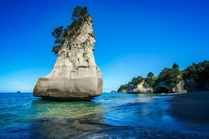 Sandstone Monolith,cathedral Cove,coromandel Peninsula,new ...