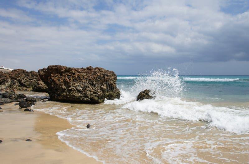 Sandstrand auf Fuerteventura lizenzfreie stockfotografie