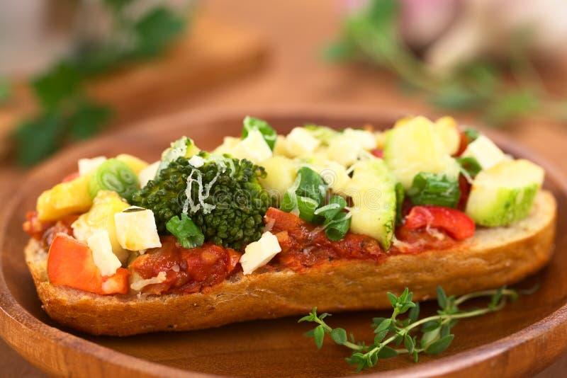 Download Sanduíche Aberto Cozido Do Vegetariano Foto de Stock - Imagem de rápido, rolo: 26507264