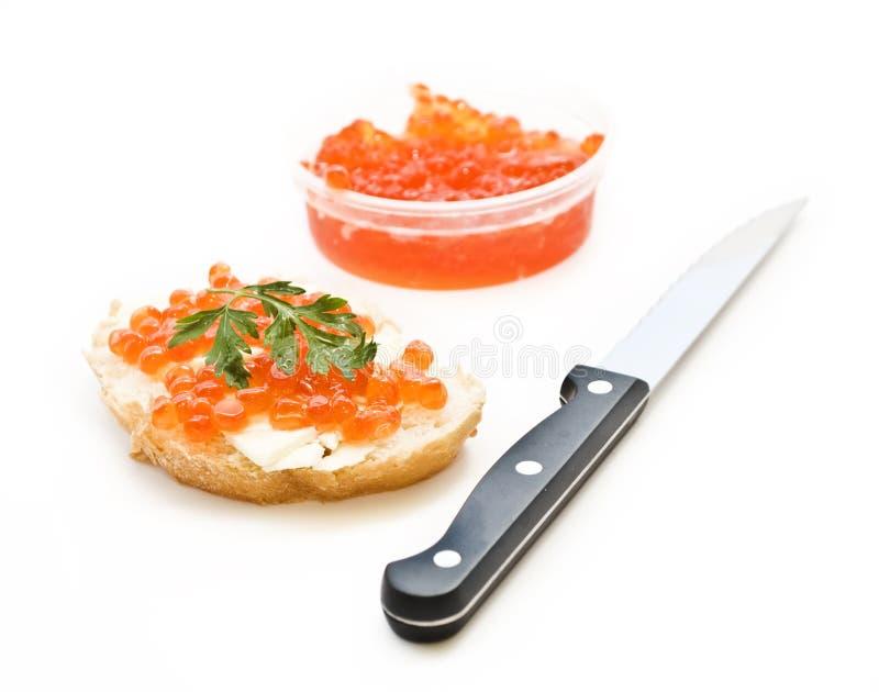 Sanduíche com caviar vermelho foto de stock