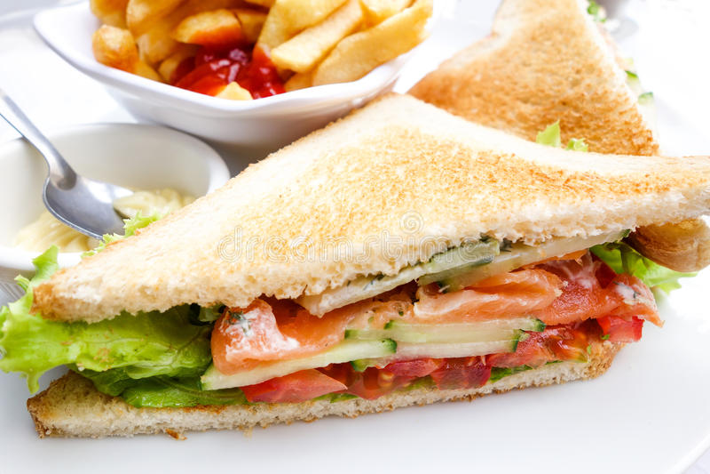 Sanduíche com galinha, imagem de stock