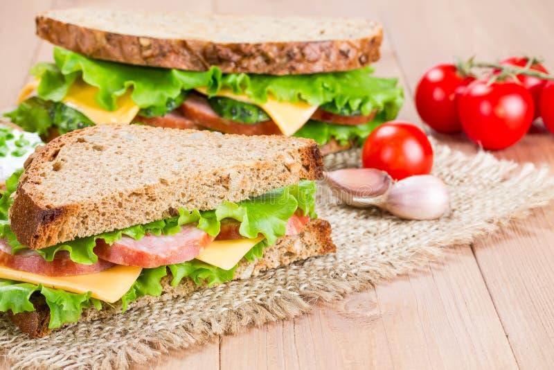 Sanduíche com presunto e queijo foto de stock
