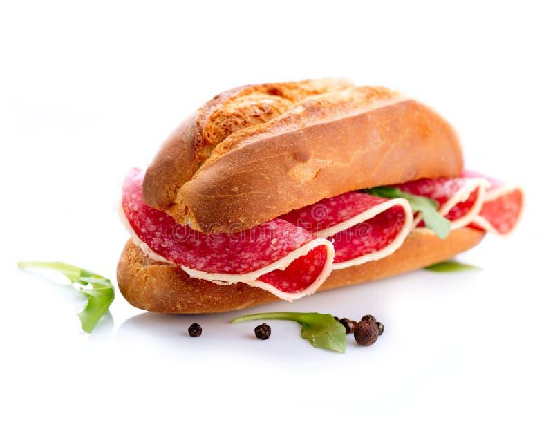 Sanduíche com salame imagem de stock royalty free