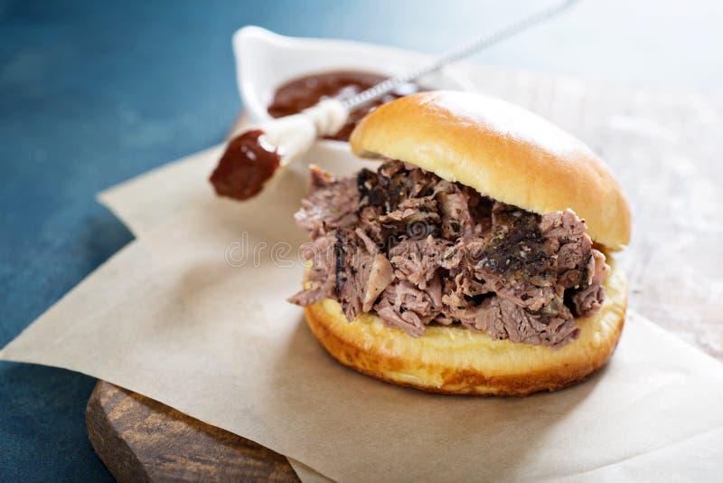 Sanduíche da carne do peito do BBQ imagem de stock royalty free