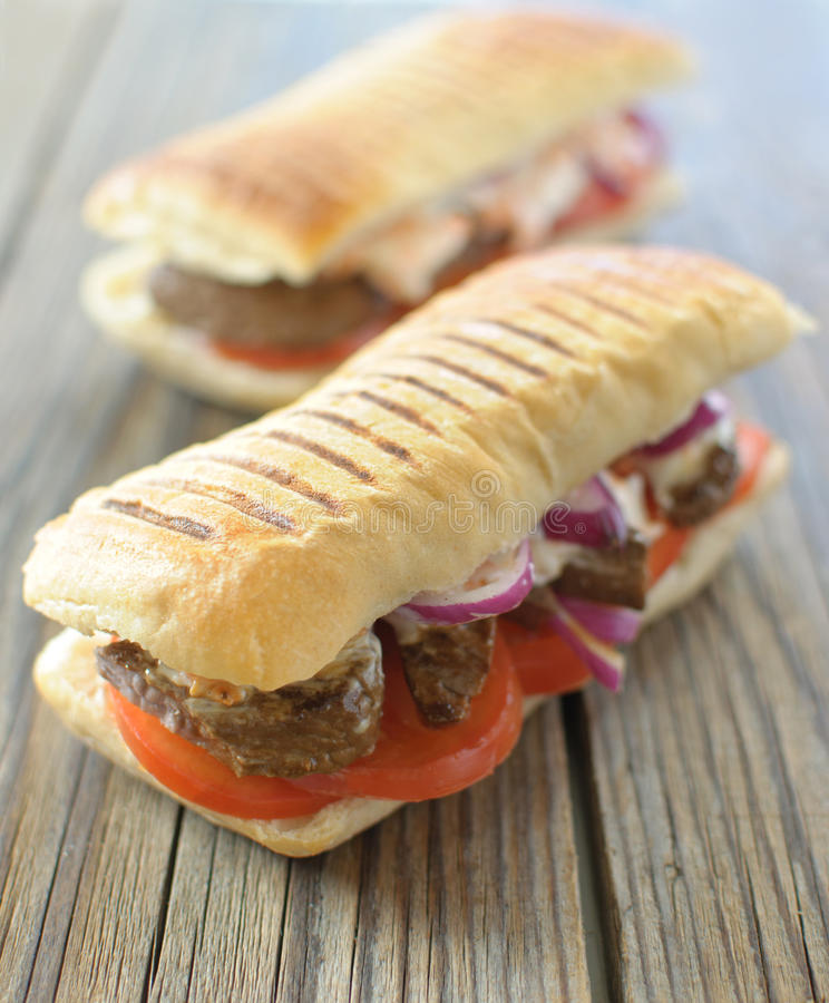 Sanduíche de bife imagens de stock royalty free