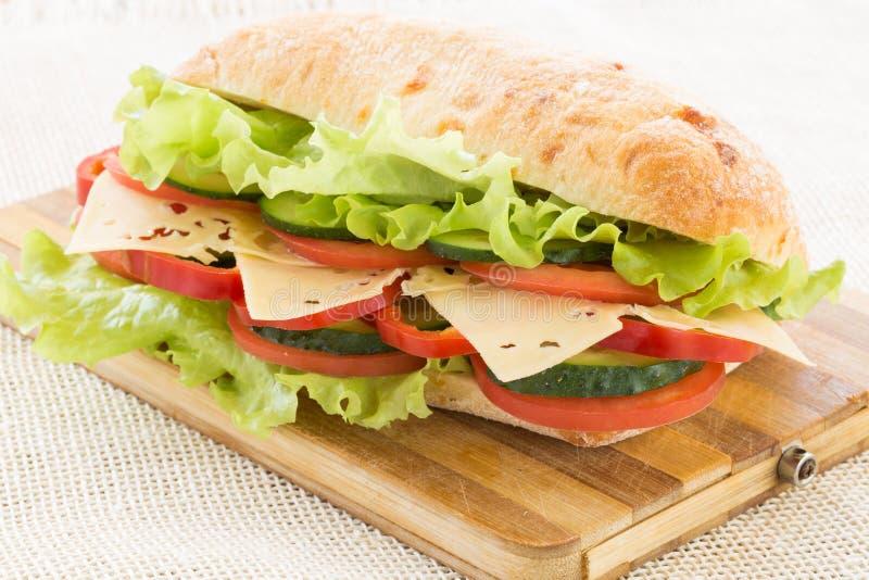 Sanduíche de Ciabatta com queijo imagens de stock
