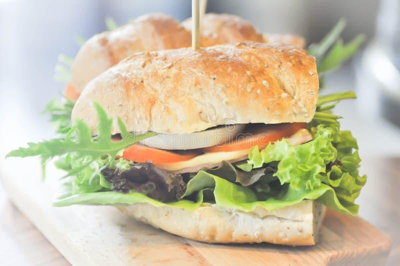 Sanduíche do Baguette com vegetal foto de stock royalty free