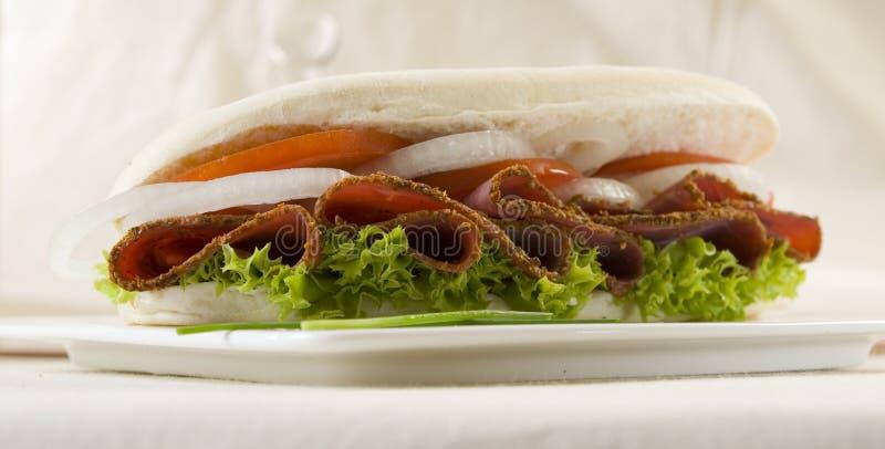 Sanduíche do Pastrami imagem de stock