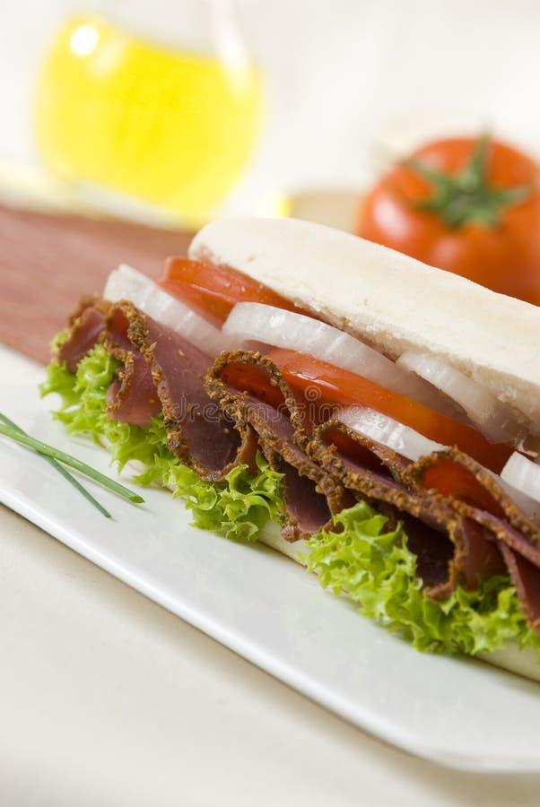 Sanduíche do Pastrami fotos de stock royalty free