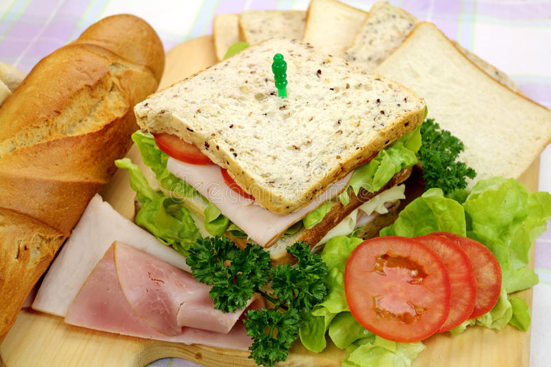 Sanduíche do presunto e da salada imagens de stock