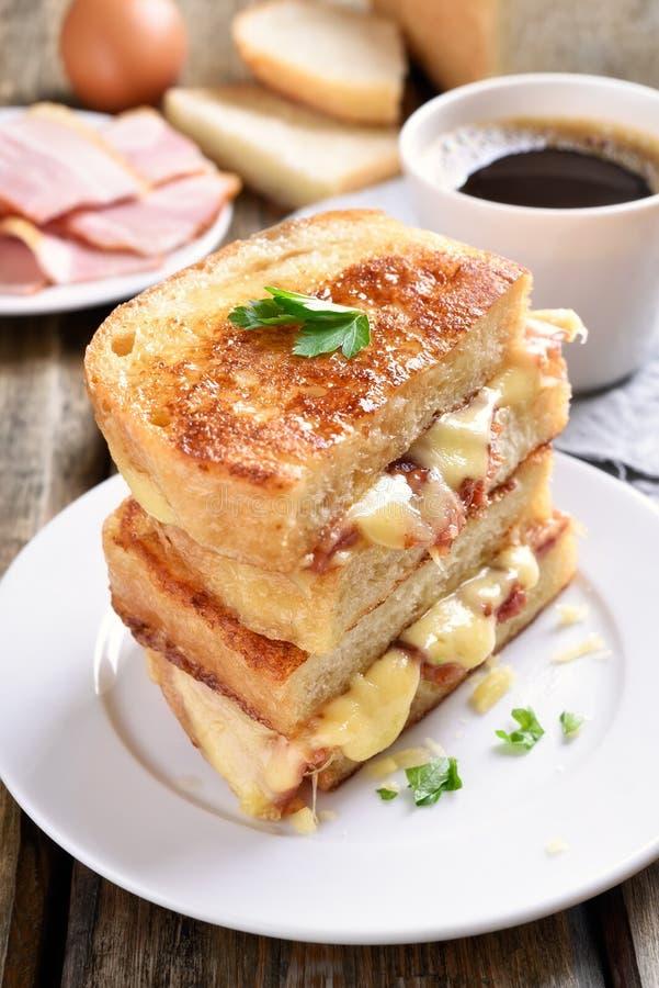 Sanduíche grelhado rabanada do queijo fotos de stock royalty free