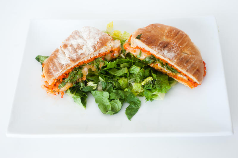 Sanduíche italiano do panini do ciabatta com queijo e tomate imagens de stock royalty free