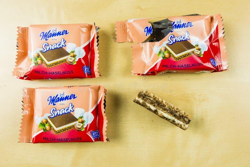 Sanduíche leitoso doce da avelã do waffle Maneira Wien do petisco imagens de stock royalty free
