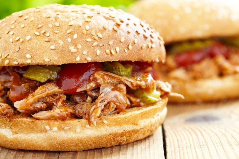 Sanduíche puxado da carne de porco imagem de stock royalty free