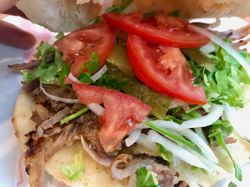 Sanduíche turco de Pide Doner/fast food tradicional imagens de stock