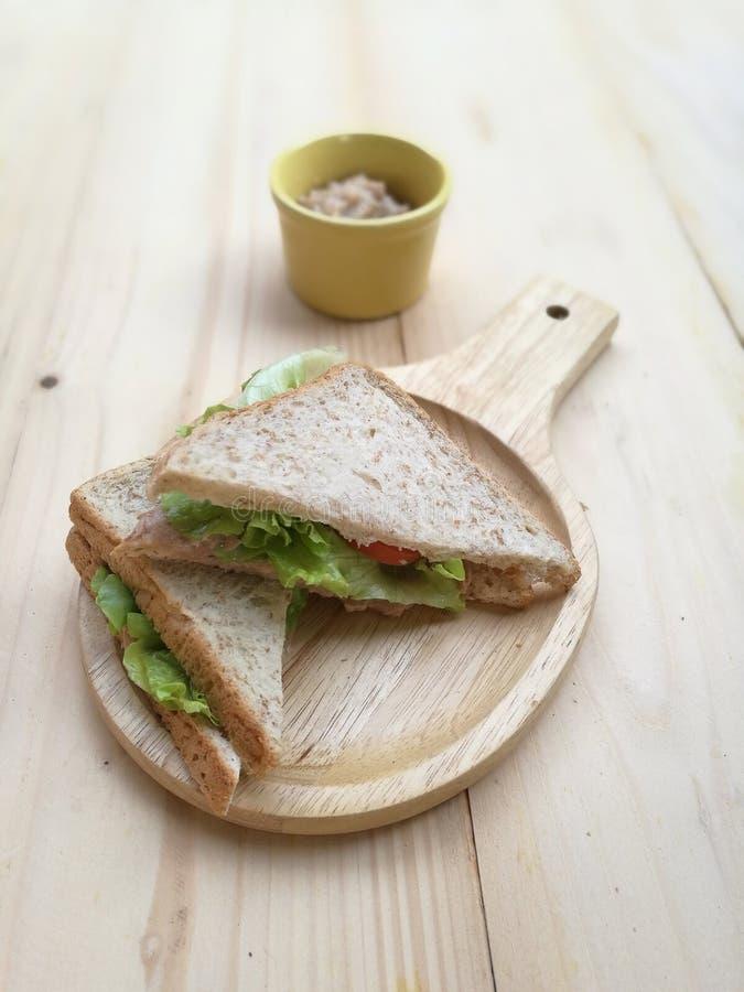 Sanduíches frescos do café da manhã fotografia de stock